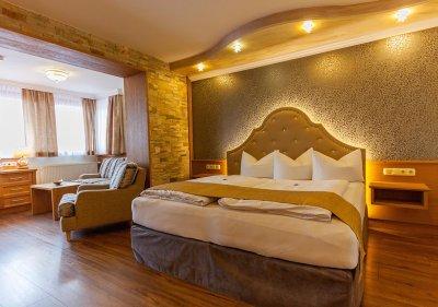 Mehrbettzimmer Turmalin Kategorie 7 2 3 Personen Wellness Hotel Bergknappenhof In Bodenmais
